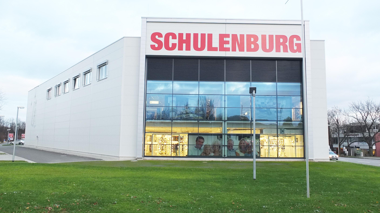 Möbelmarkt und Verwaltungsgebäude